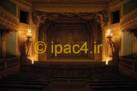 کاخ ورسای,سالن تئاتر کاخ تریانون کوچک در مجموعه کاخ های ورسای. کاخ تریانون کوچک بسیار مورد علاقه ملکه ماری آنتوانت بود.